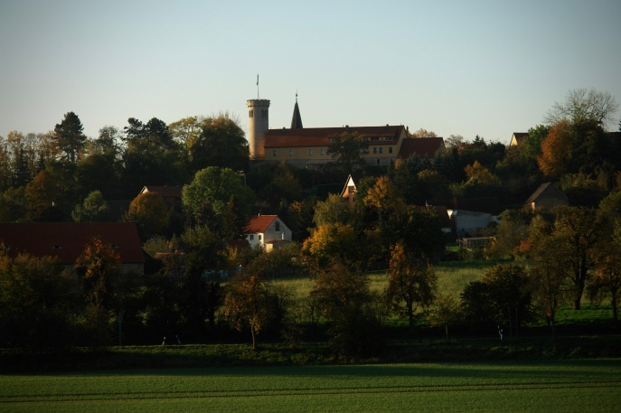 view of the Zscheiplitz estate from the South